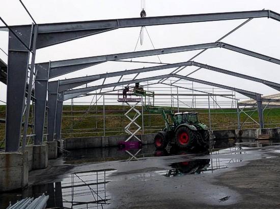 Neubau Stahlhalle Wallroda Arnsdorf nach Brandschaden